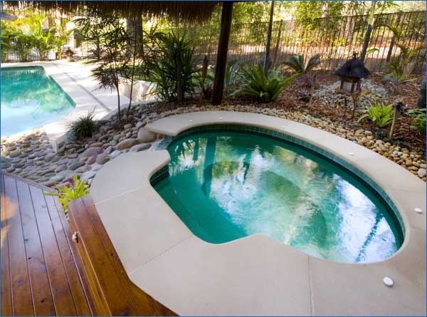 Spa round and square harvest pools fibreglass swimming pools bermuda pools for Fibreglass swimming pool prices